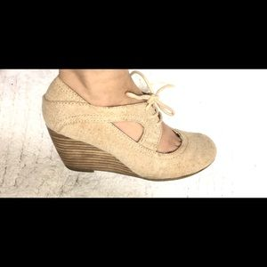 Lace up strap pump wedges heel - size 6